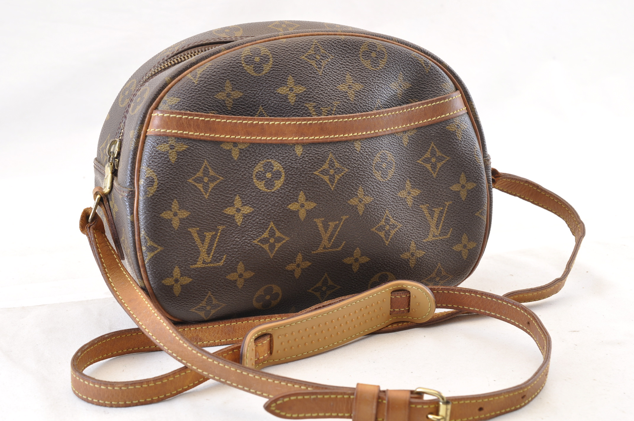 5a7614cdd481 LOUIS VUITTON Monogram Blois Shoulder Bag M51221 LV Auth 6317 ...