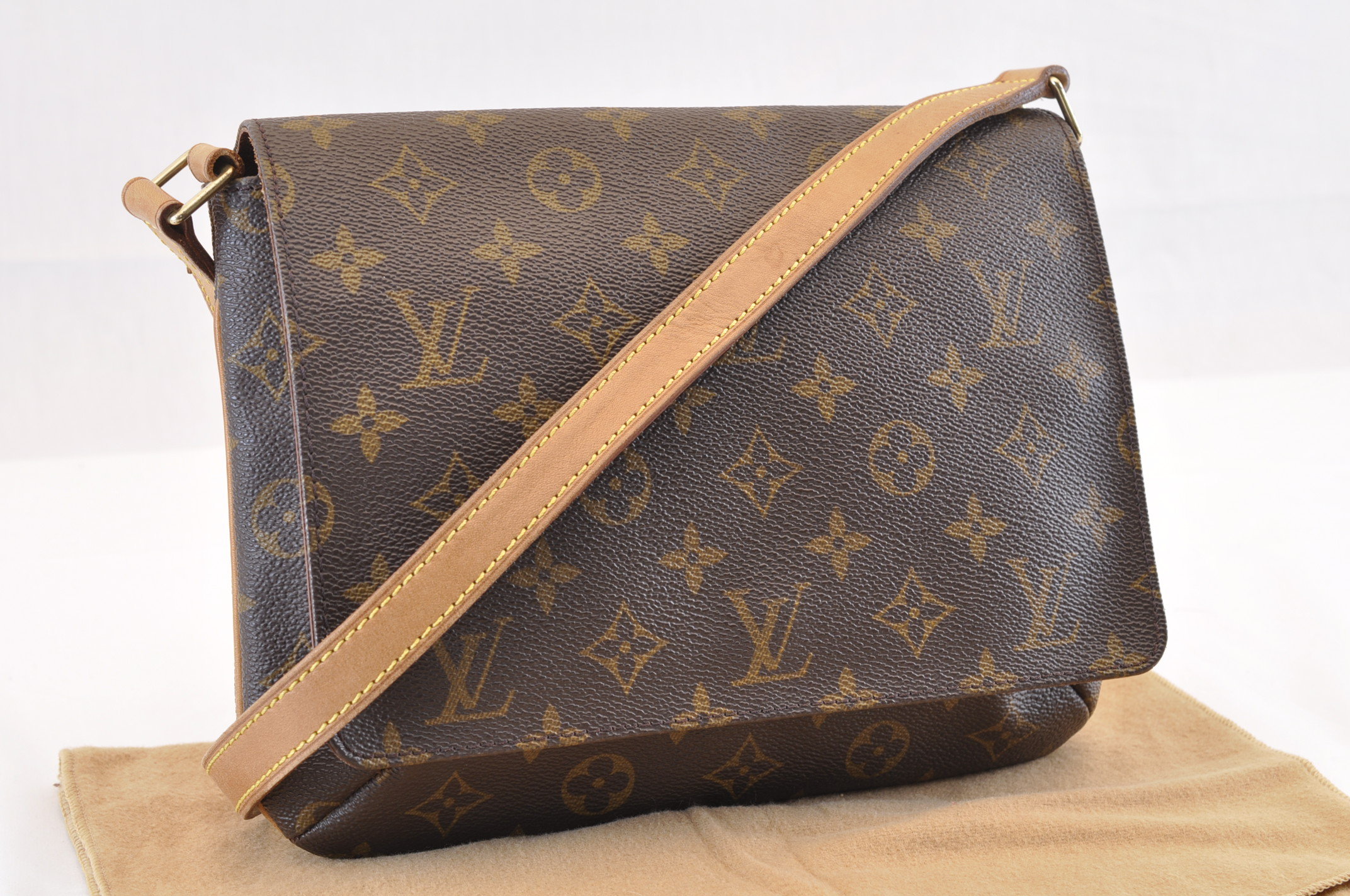 700a78a899f4 LOUIS VUITTON Monogram Musette Tango Short Shoulder Bag M51257 Auth ...